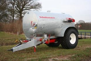Schuitemaker Robusta 100 galvanised tank