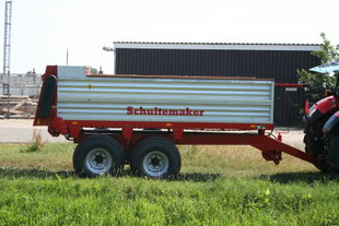 Schuitemaker SMS 70 manure spreading